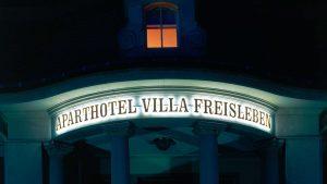 Lichtwerbung LED Vollacrylbuchstaben - Aparthotel Villa Freisleben