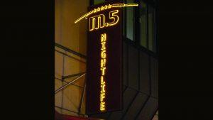 Lichtwerbung Profilbuchstaben - M5 Nightlife