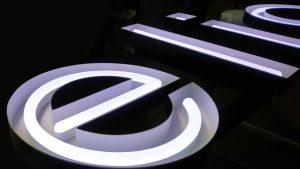 Lichtwerbung im Neonlook
